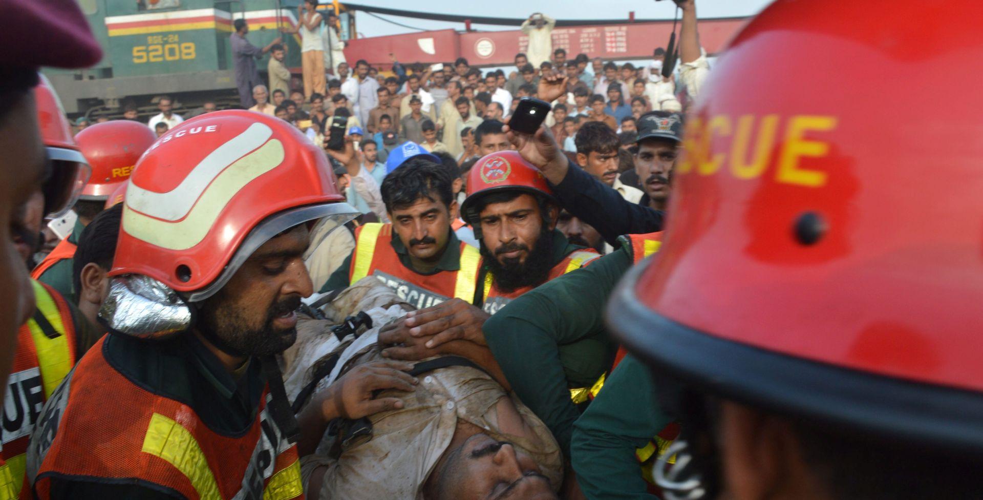 U sudaru vlakova u Pakistanu šestero mrtvih, stotinjak ozlijeđenih