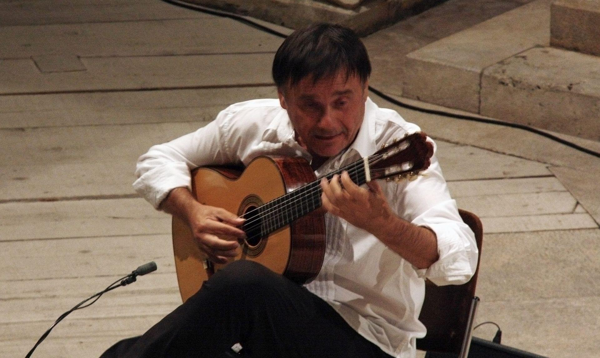 """""""Dubrovnik u pozno ljeto"""": Recital Edina Karamazova u ariju Kneževa dvora"""