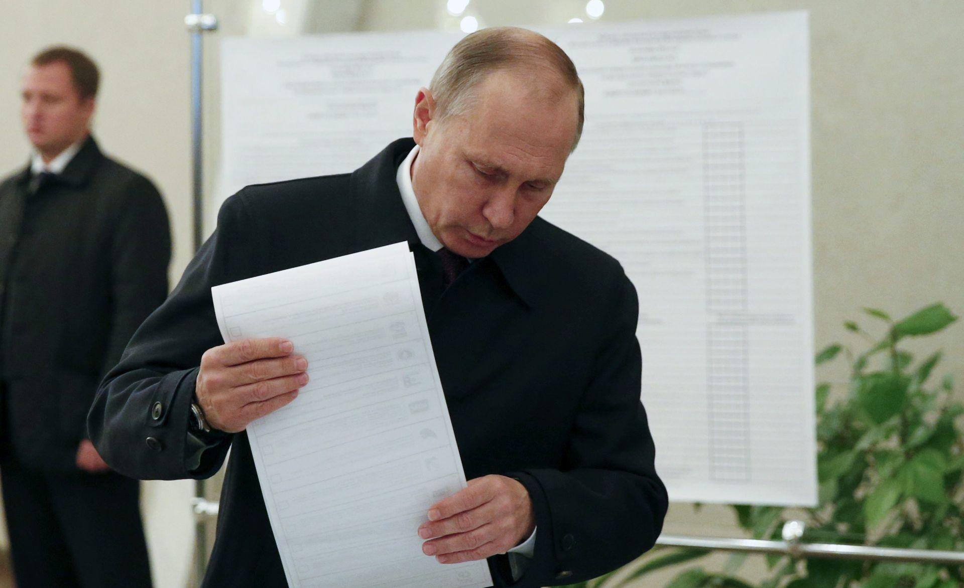 RUSIJA Premoćna Putinova izborna pobjeda uz nizak odaziv birača