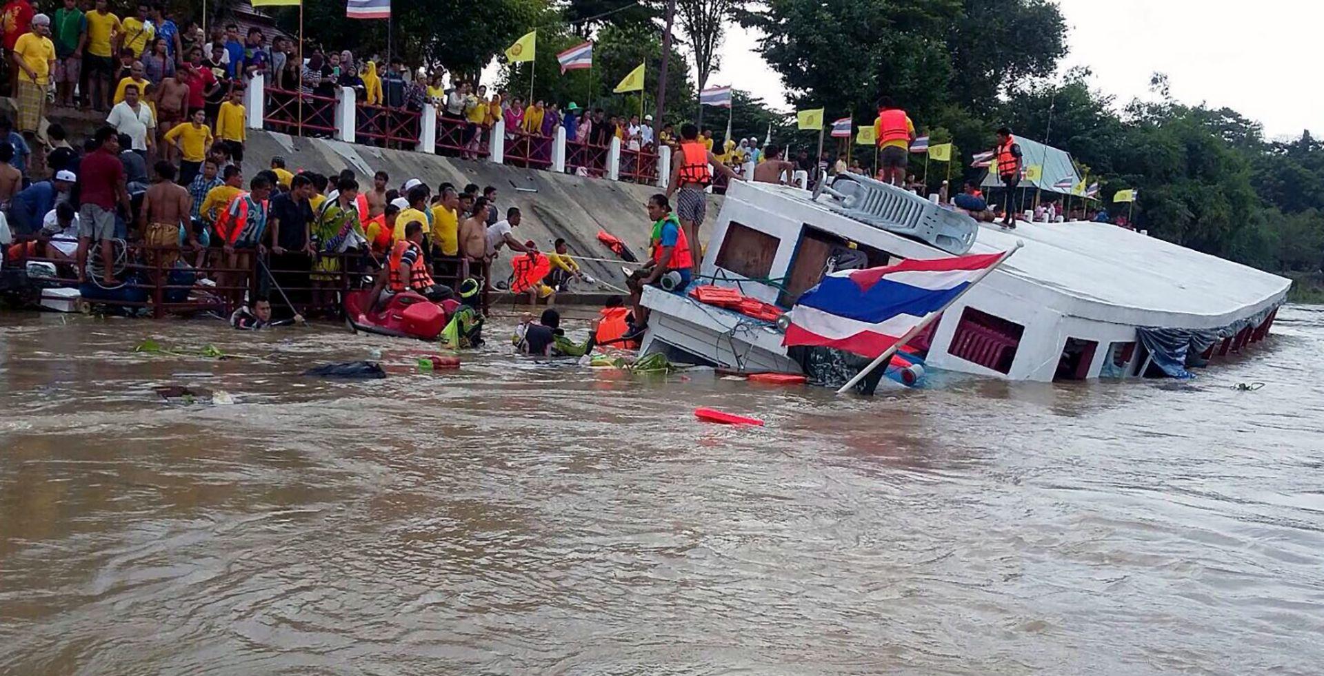 POMORSKA NESREĆA NA TAJLANDU Brod se zabio u most, 13 poginulih, više od 30 ozlijeđenih