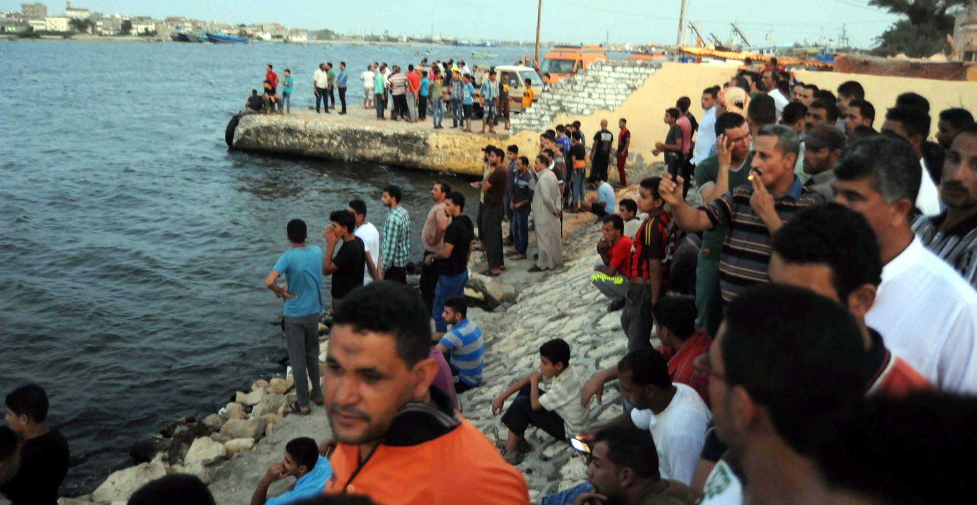 """PREŽIVJELI S BRODA """"Bojimo se da se stotine ljudi utopilo"""""""
