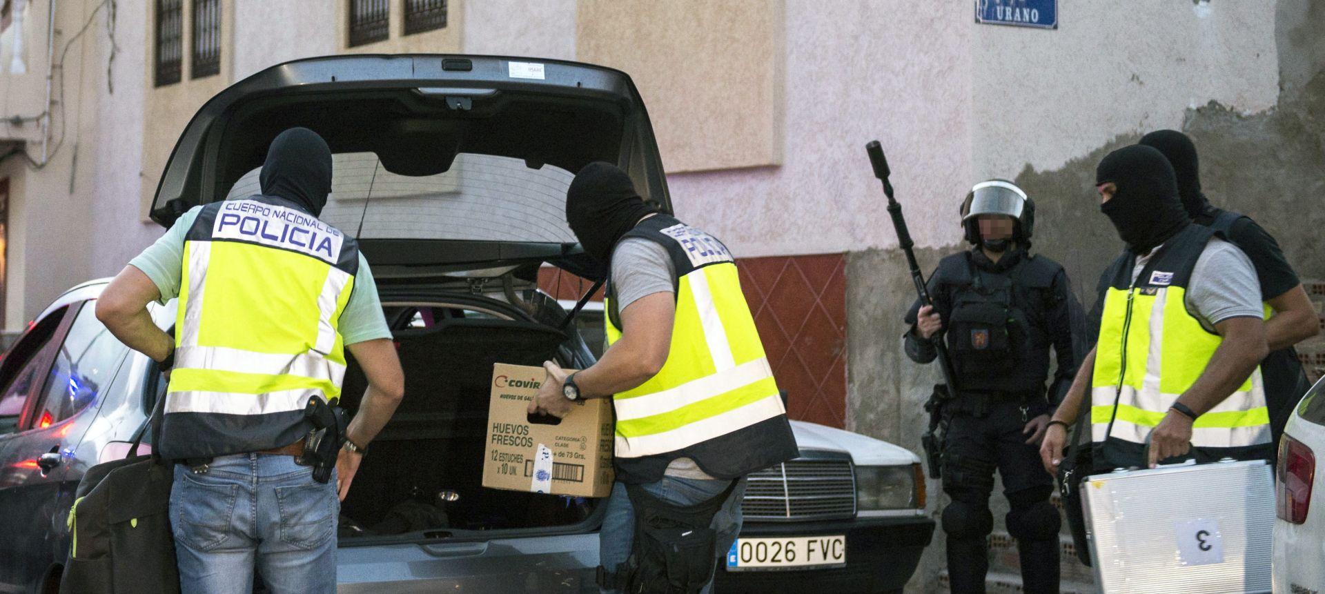 Zbog širenja džihadističke propagande u Europi uhićeno pet pristaša IS-a
