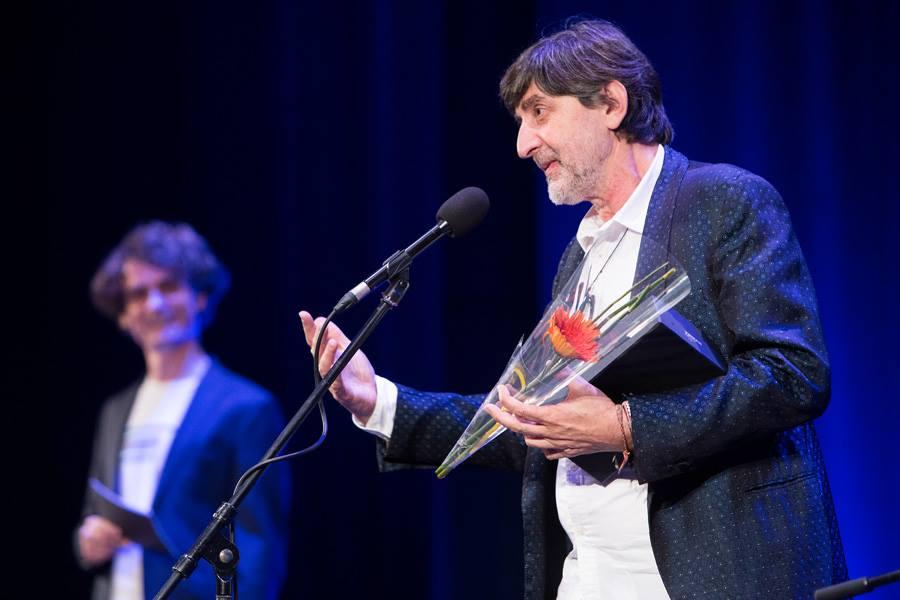 Leo Kulaš sa zadovoljstvom je primio nagradu