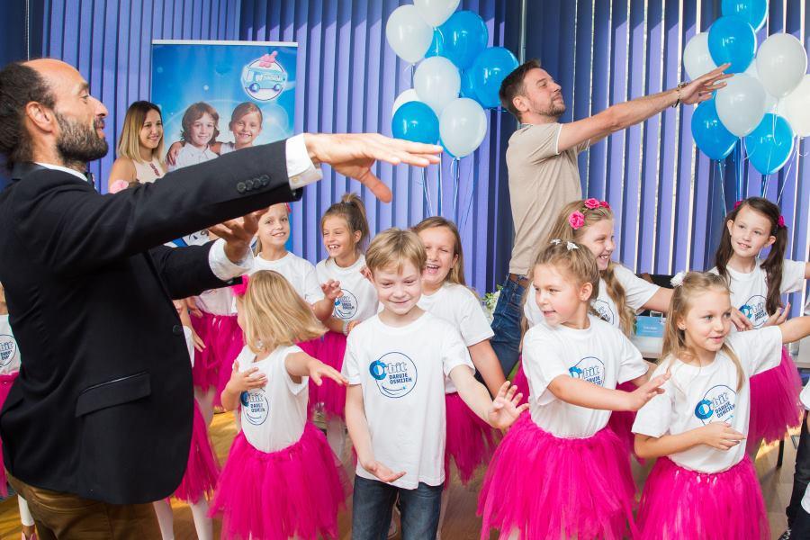 Glumac i komičar, Luka Bulić, će se pridružiti Zubomobilu na turneji i u veseloj atmosferi zabavljati i učiti najmlađe