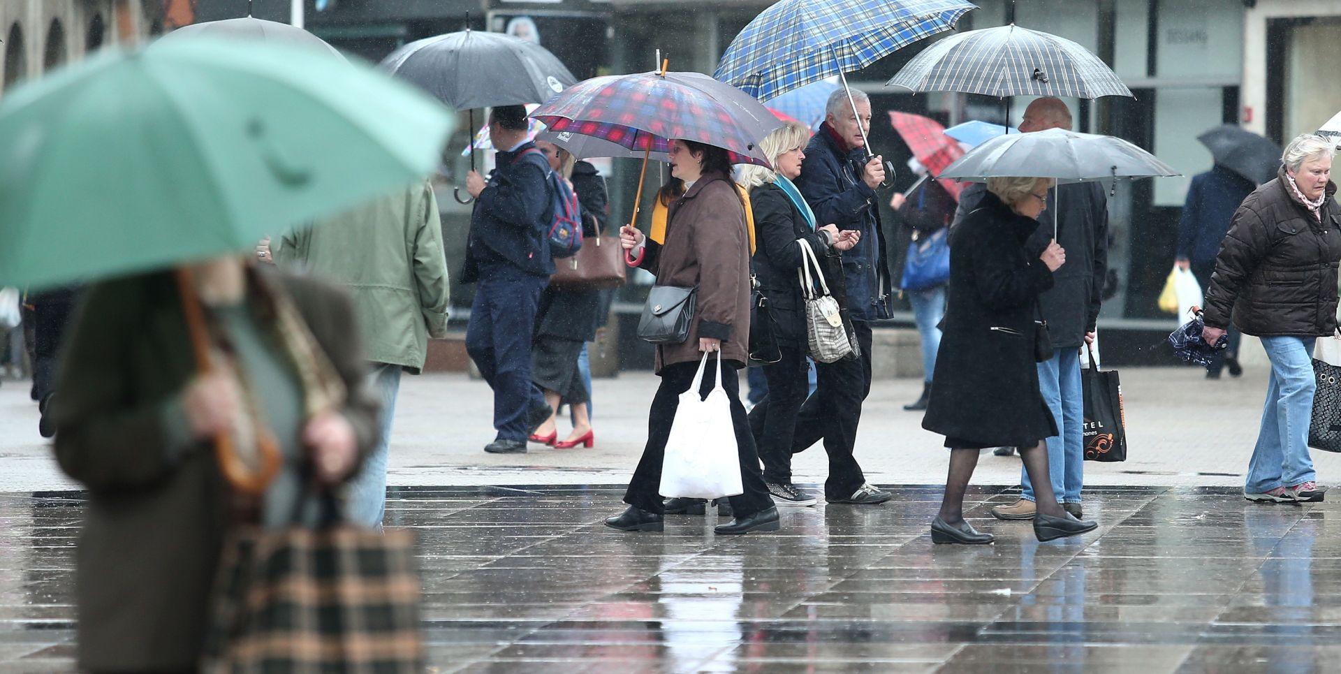 UPOZORENJA ZA CIJELU HRVATSKU Kiša i grmljavinski pljuskovi, na Jadranu bura s olujnim udarima