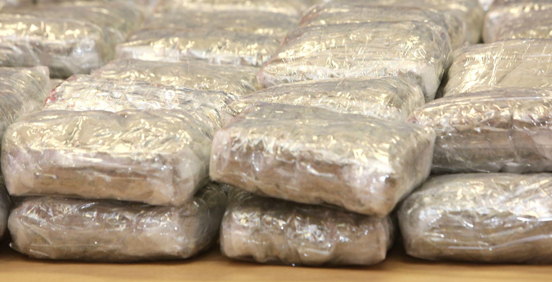 Dubrovačka policija kod Albanca pronašla gotovo 10 kilograma marihuane