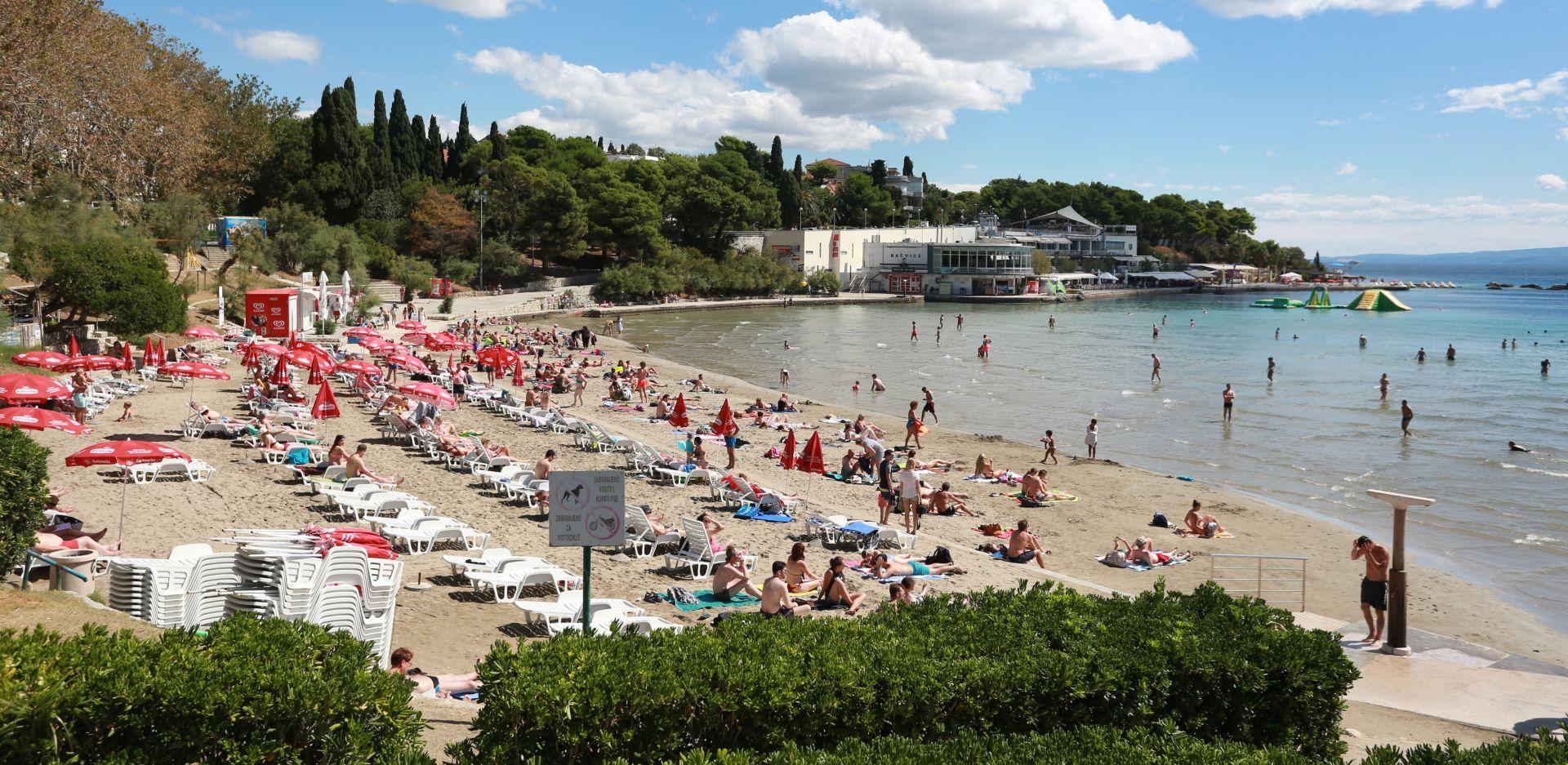 DZS: U srpnju 17,6 posto više turista i 12,2 posto više noćenja