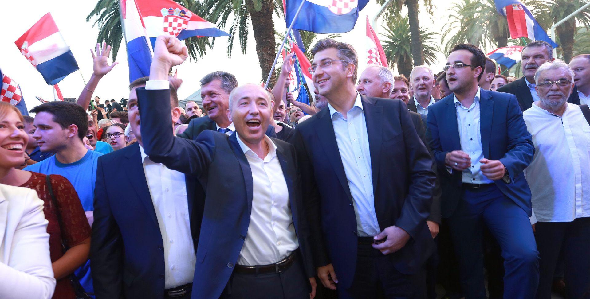 """PLENKOVIĆ """"Nije mi smetao prosvjed Torcide, demokracija podrazumijeva i slobodu prosvjeda"""""""