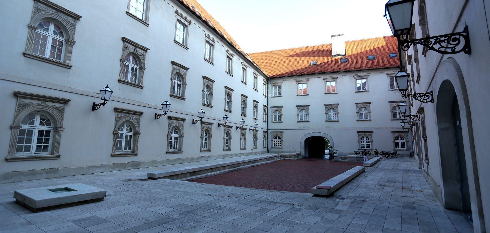 Pregled suvremene slovenske fotografije u Klovićevim dvorima