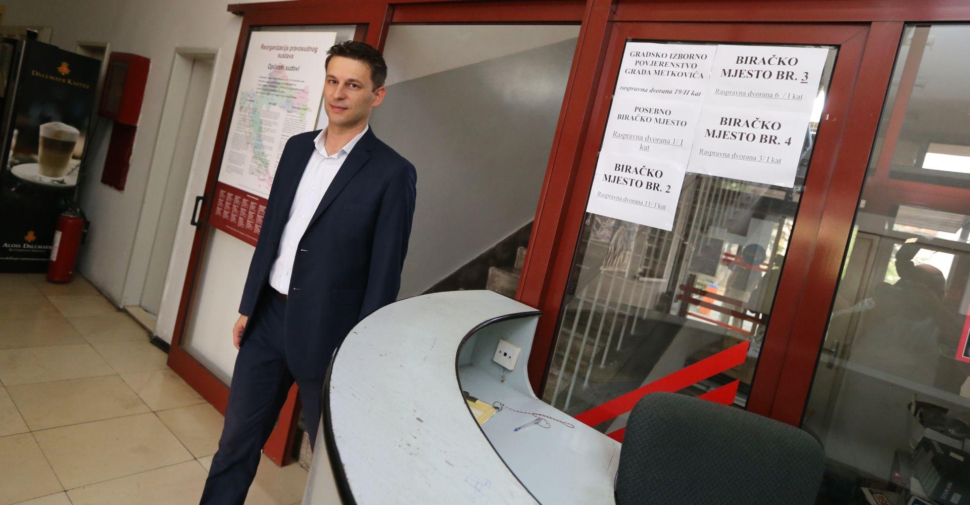 """PETROV GLASAO U METKOVIĆU """"Dajte glas za budućnost Hrvatske"""""""