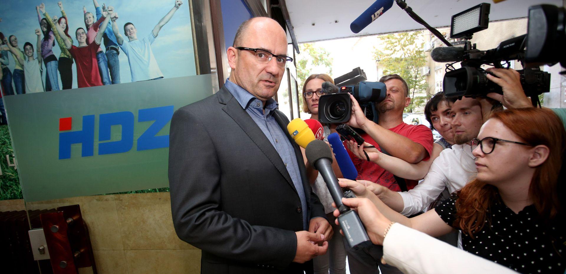 """POČELO SKUPLJANJE POTPISA Brkić: """"Plenković će sigurno imati dovoljan broj potpisa za mandatara"""""""