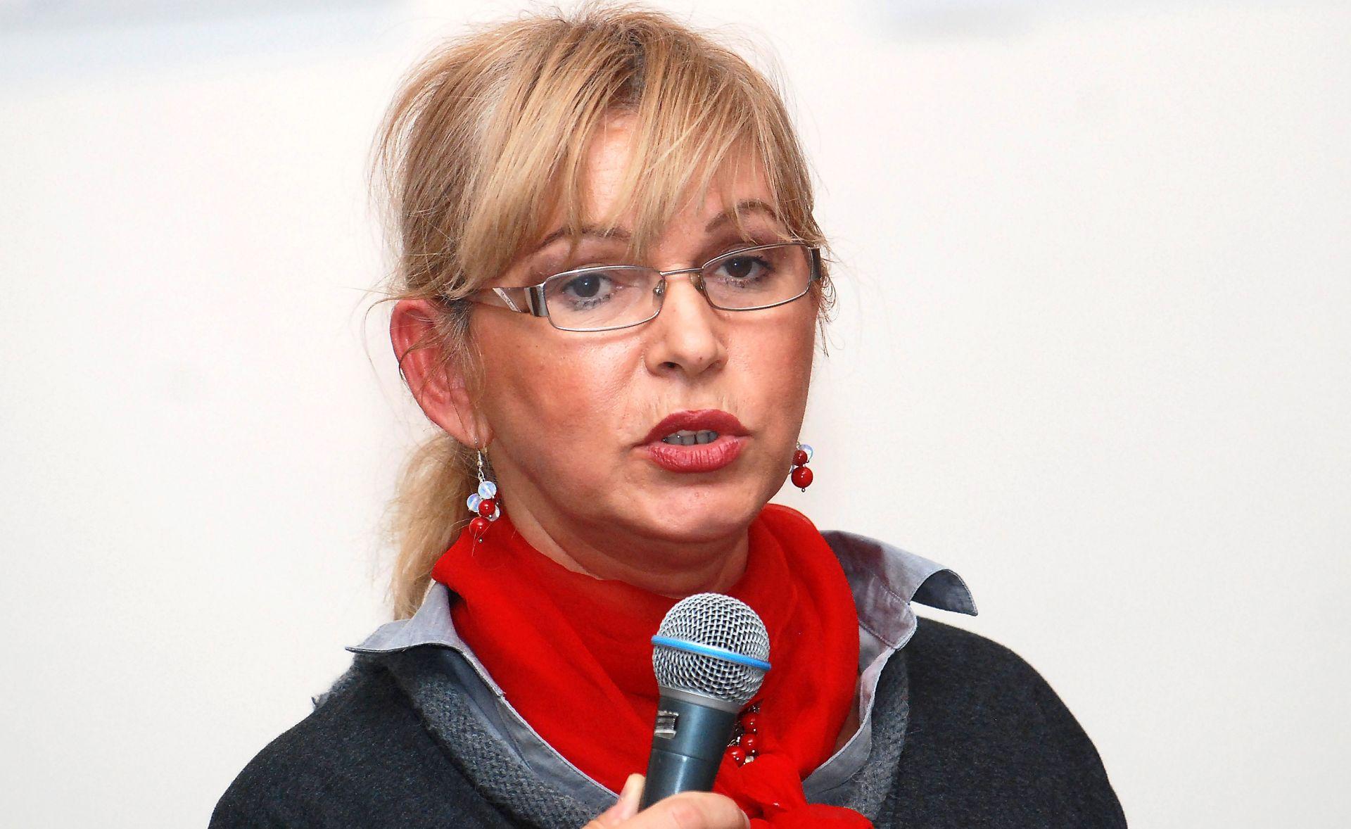"""VESNA ŠKULIĆ NAJNOVIJA KANDIDATKINJA ZA PREDSJEDNICU SDP-A """"Pokazat ću da socijaldemokracija ima ljudsko lice"""""""