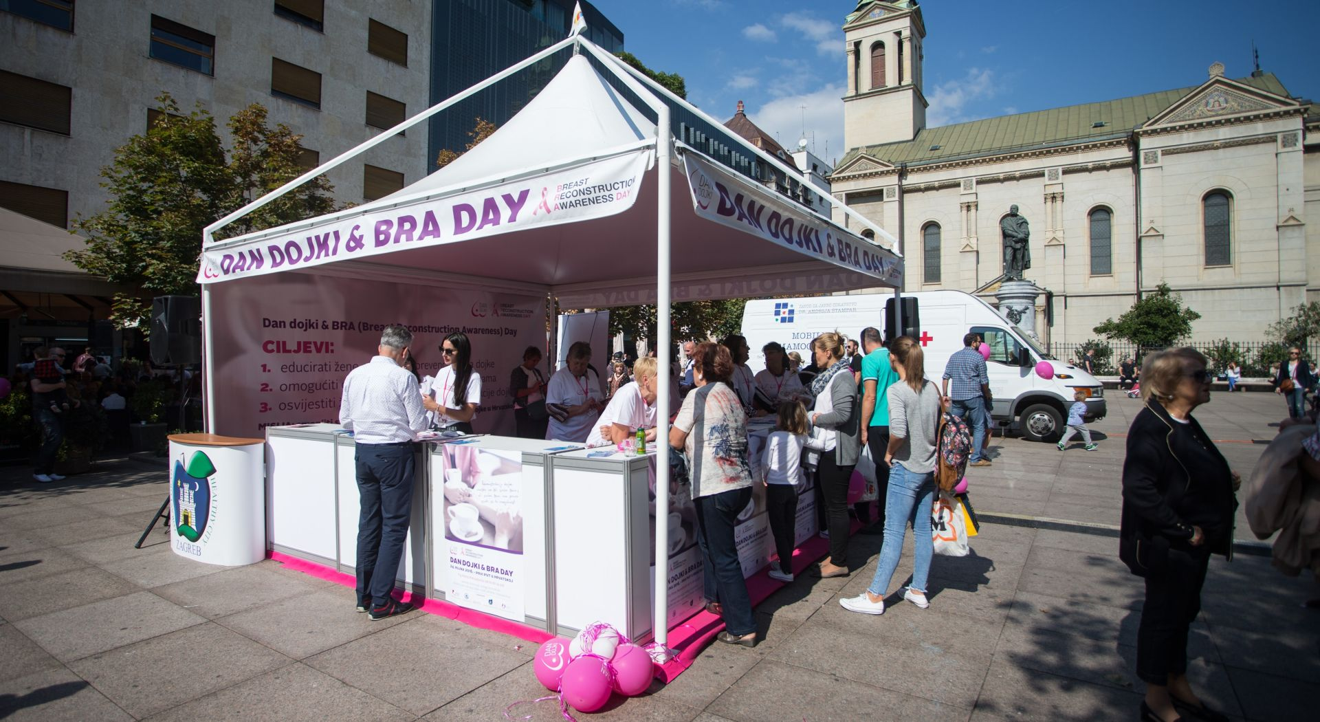 Na Cvjetnom trgu obilježen Dan dojki i BRA day