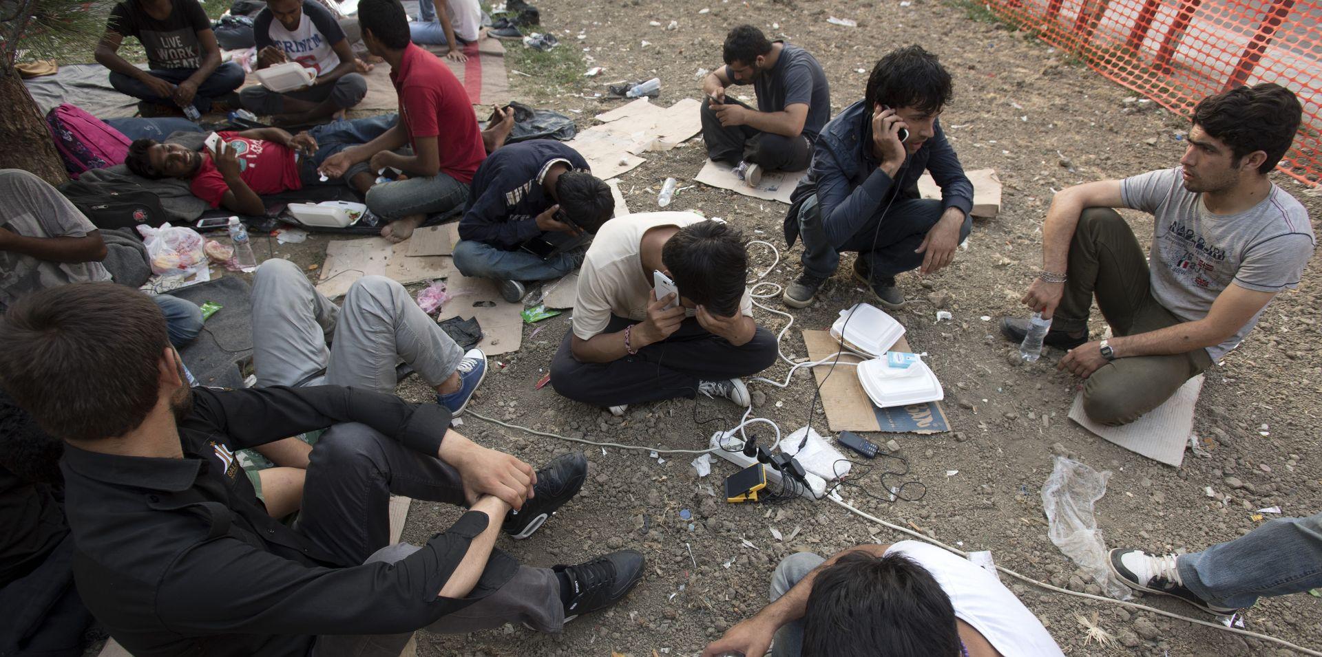 UHIĆENI DVOJAC Preko granice pokušali prebaciti 11 Afganistanaca i troje djece