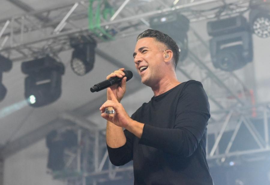 Jedan on najpopularnijih regionalnih pjevača Željko Joksimović otpjevao je svoje najbolje balade