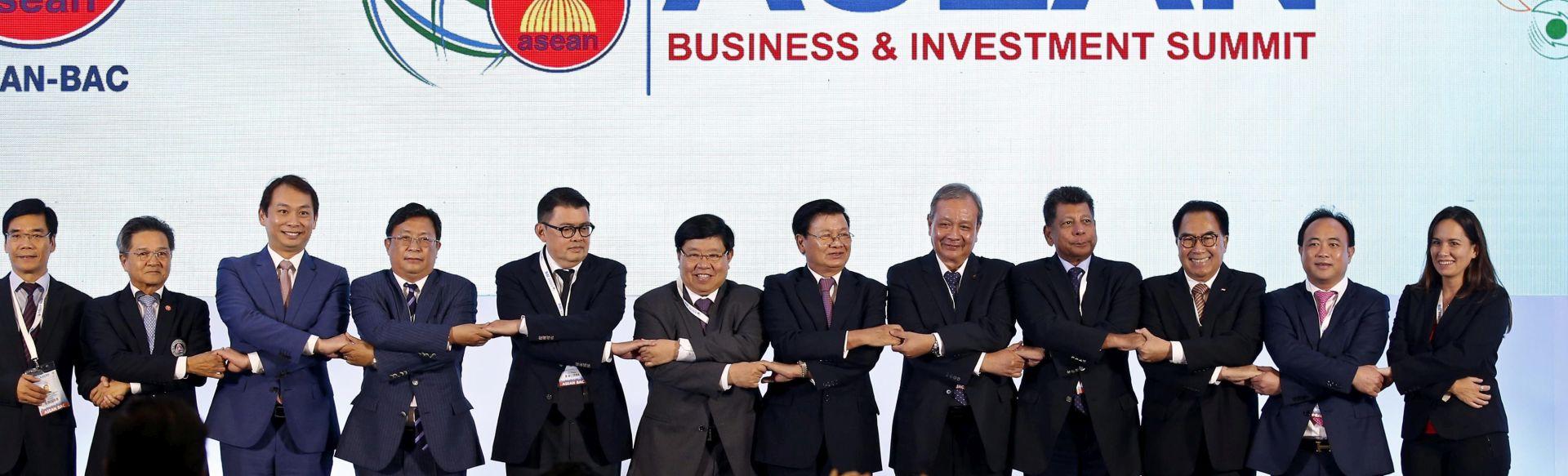 Čelnici ASEAN-a u Laosu, Obama prisustvuje posljednji put