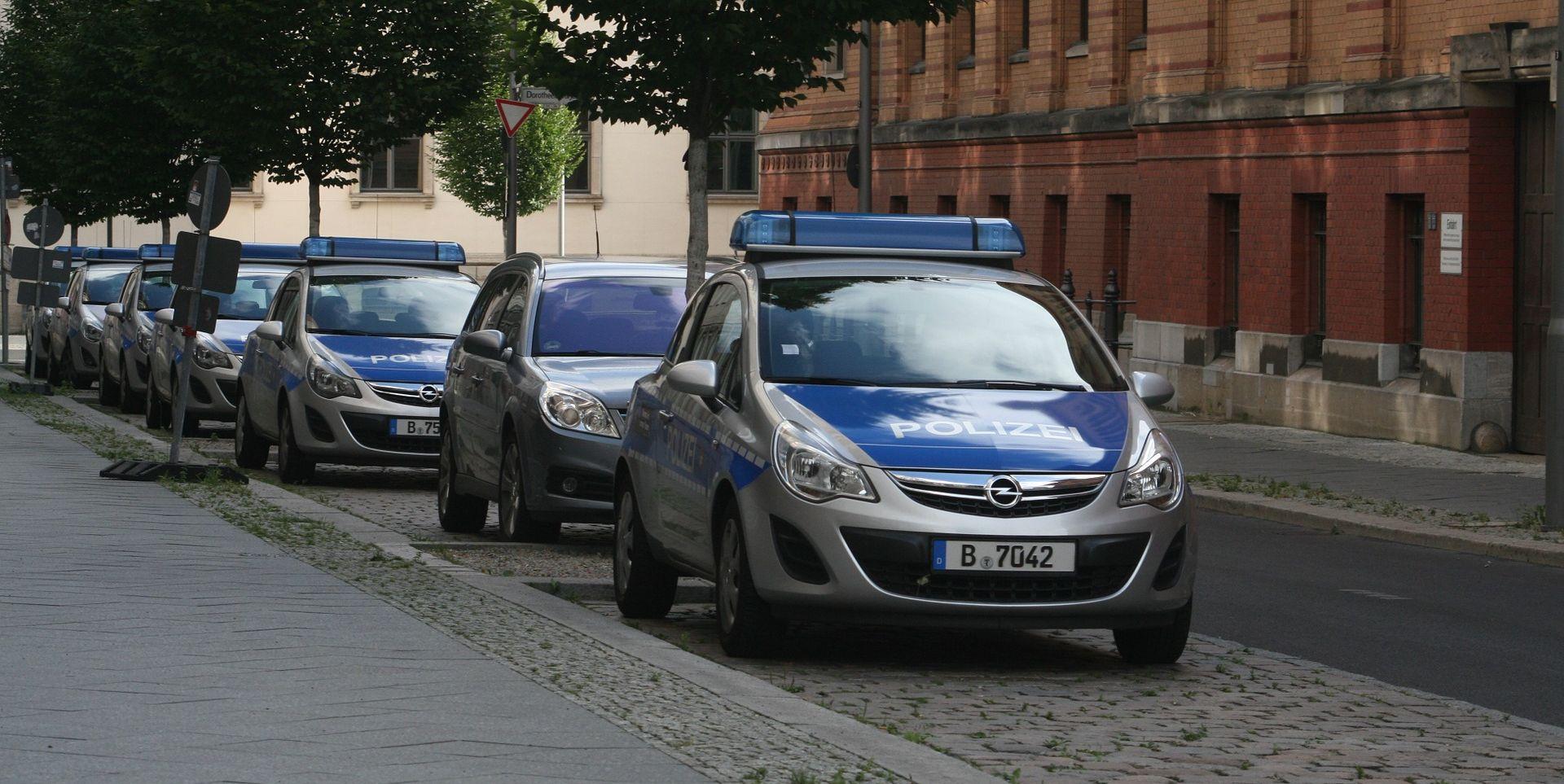 BERLIN Dvije osobe ozlijeđene u napadu nožem u gradskoj vijećnici, napadač u bijegu