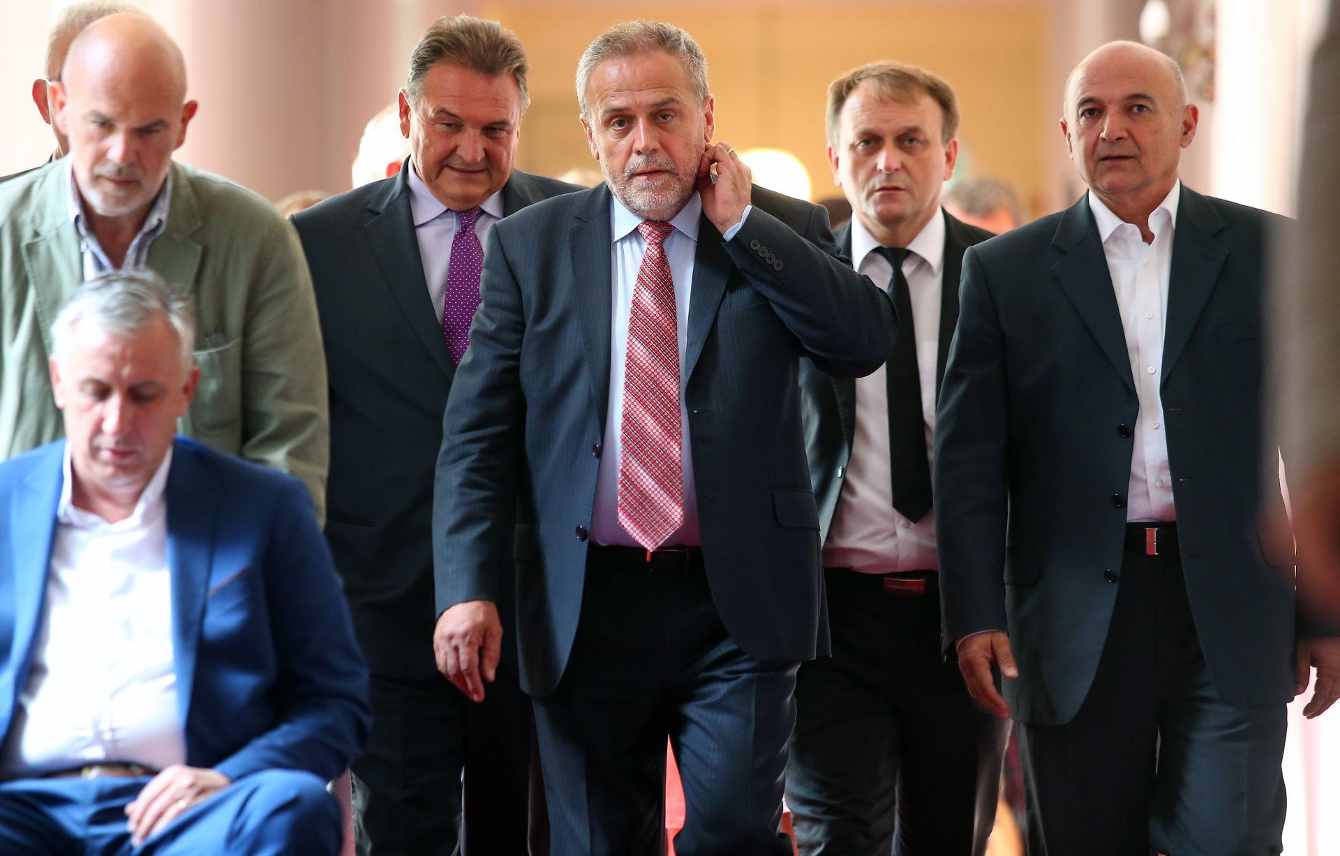 MILAN BANDIĆ: Hrvati trebaju biti ravnopravni sa Srbima i Bošnjacima
