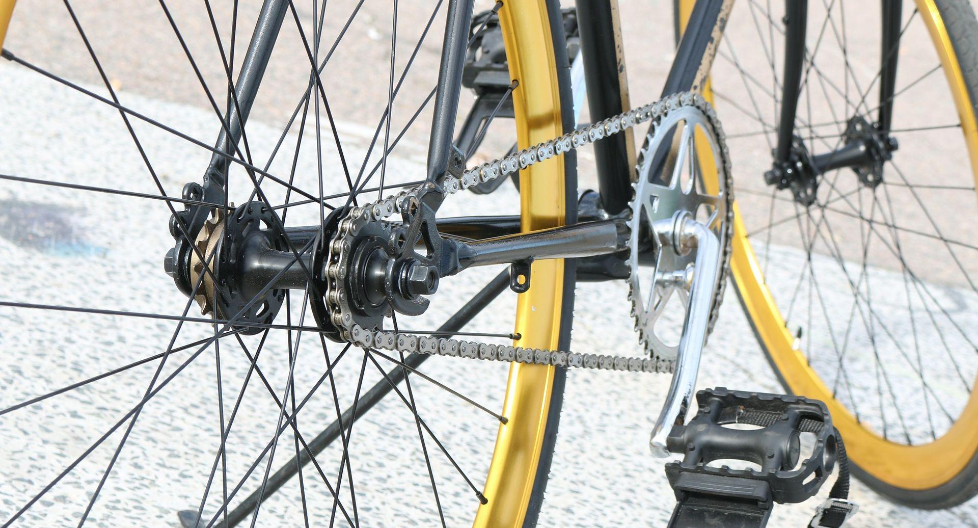 Zagreb: Pao s bicikla i poginuo