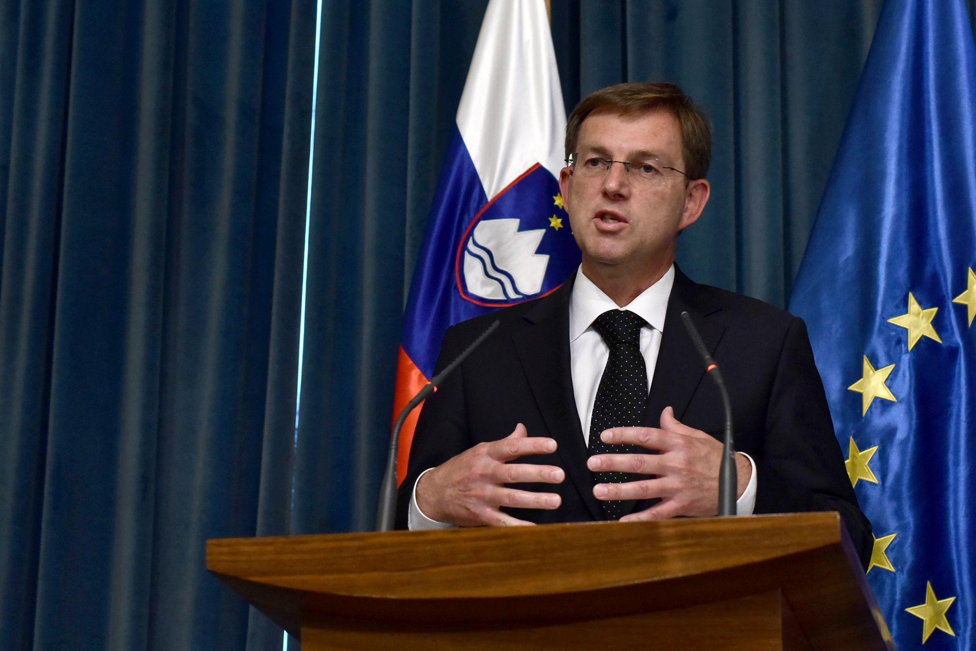 Cerar najavio zajedničku akciju s Hrvatskom glede mjera na graničnim prijelazima