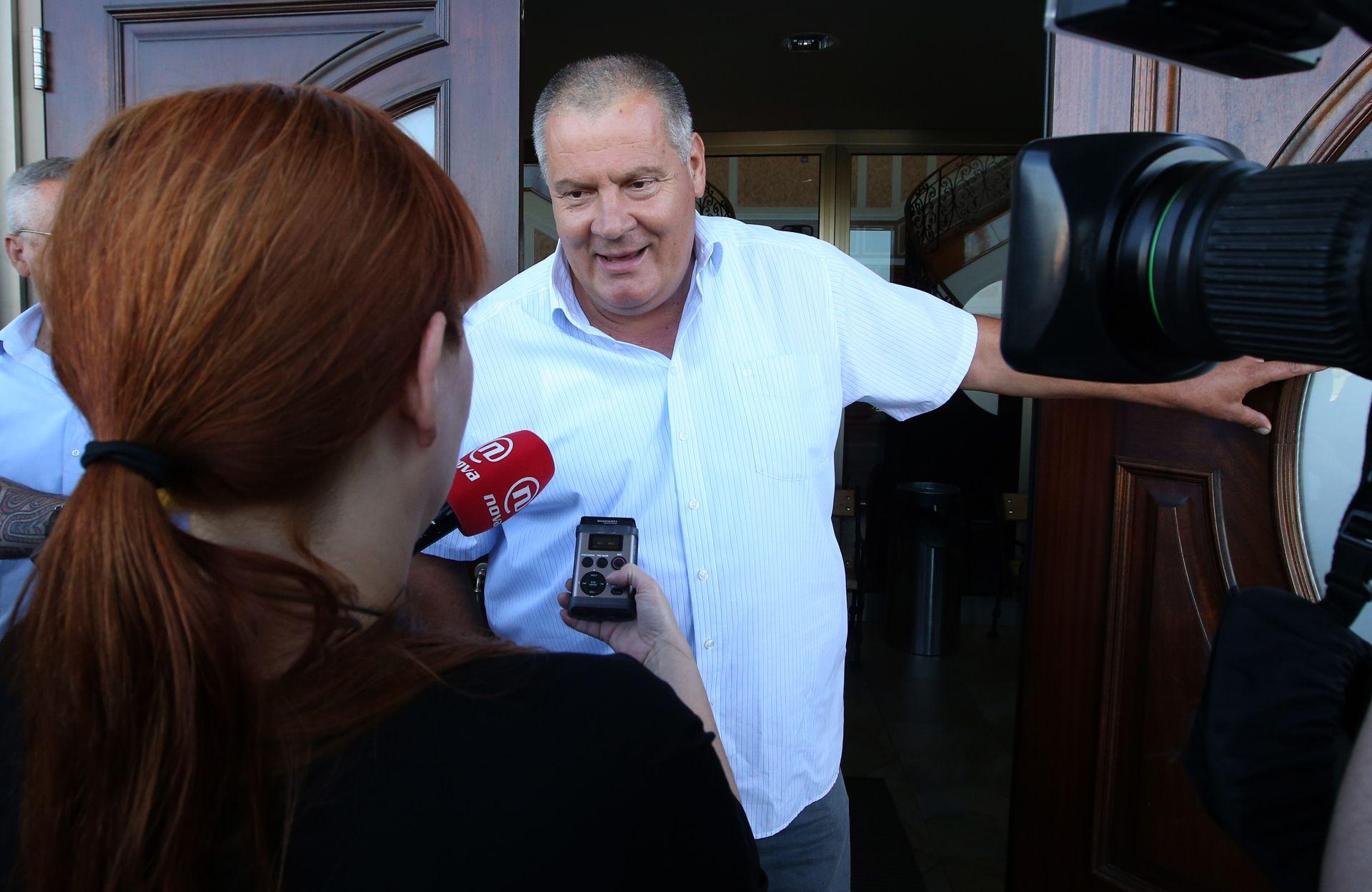 "ODE JAMBO Stipo Gabrić: ""Napuštam HSS Kreše Beljaka!"""