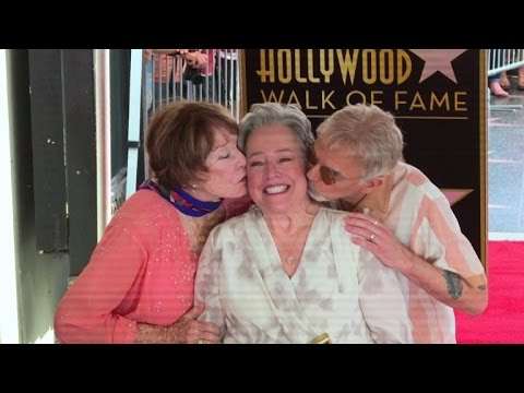 VIDEO: Oskarovka Kathy Batesn dobila zvijezdu na holivudskom Šetalištu slavnih