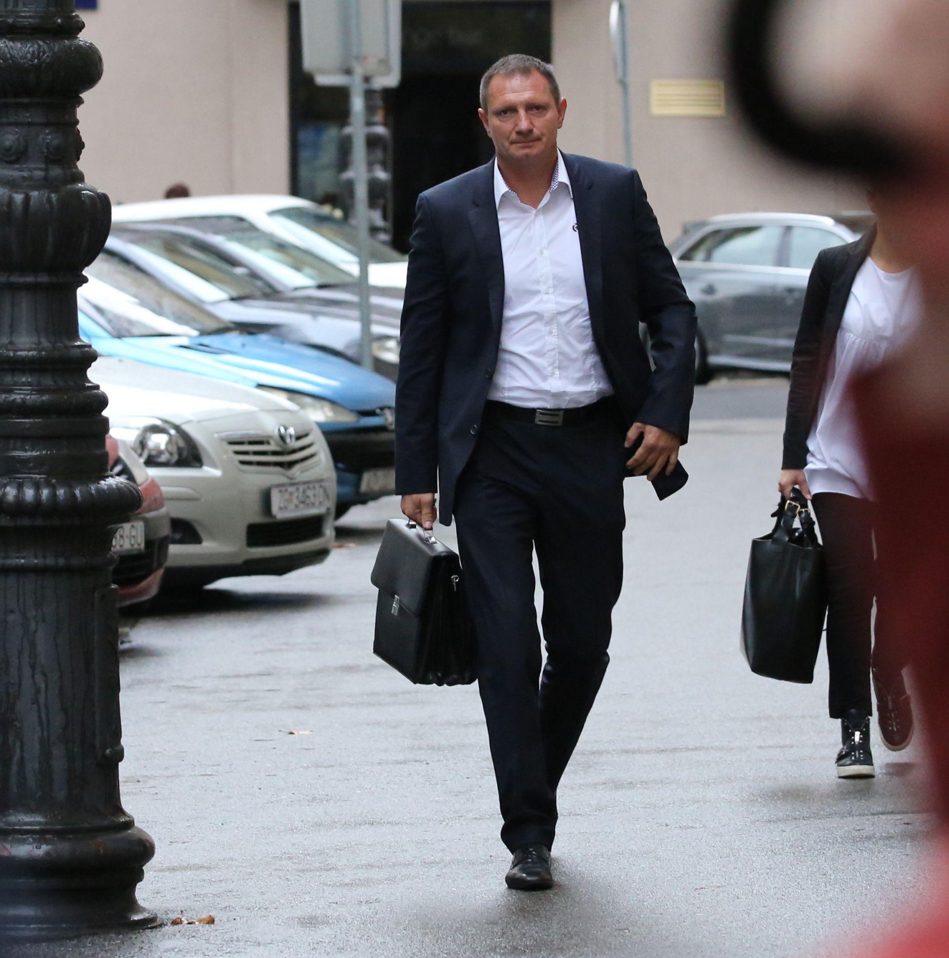 Zorović tvrdi da je njegova tvrtka zaista obavljala usluge za Klemma