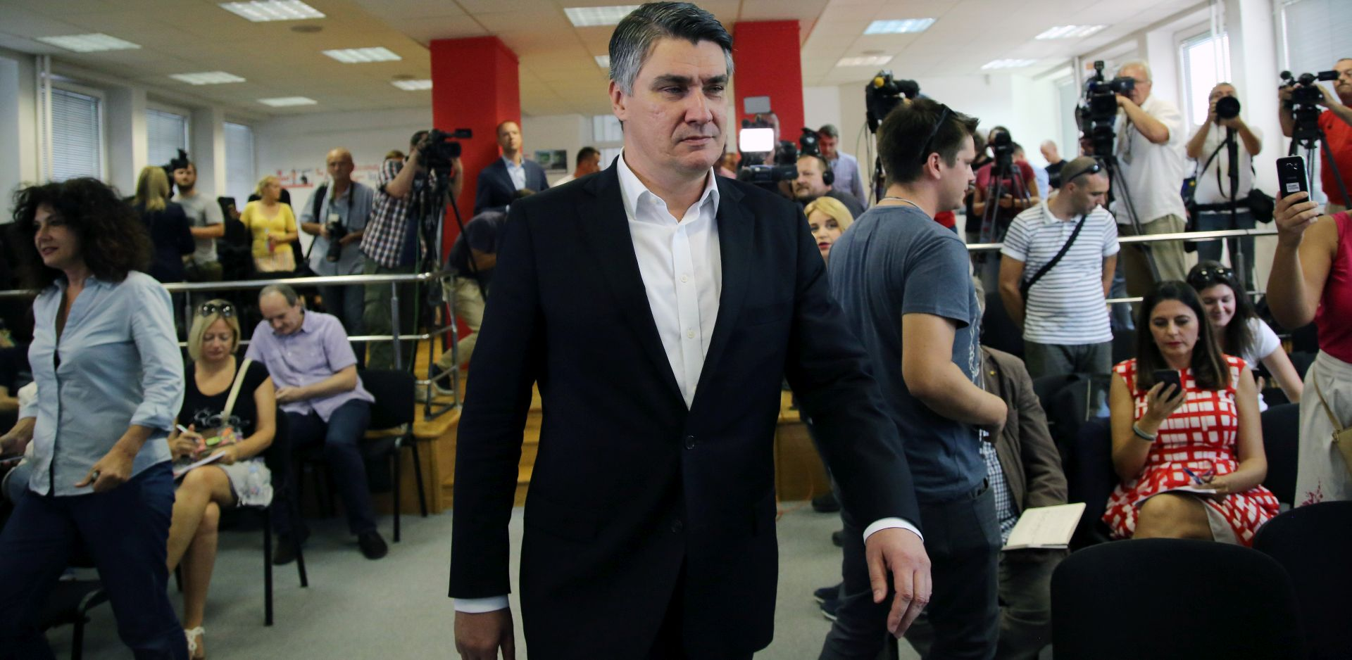ZORAN MILANOVIĆ: 'Plenkoviću ću čestitati ako mi se ispriča za uvrede'