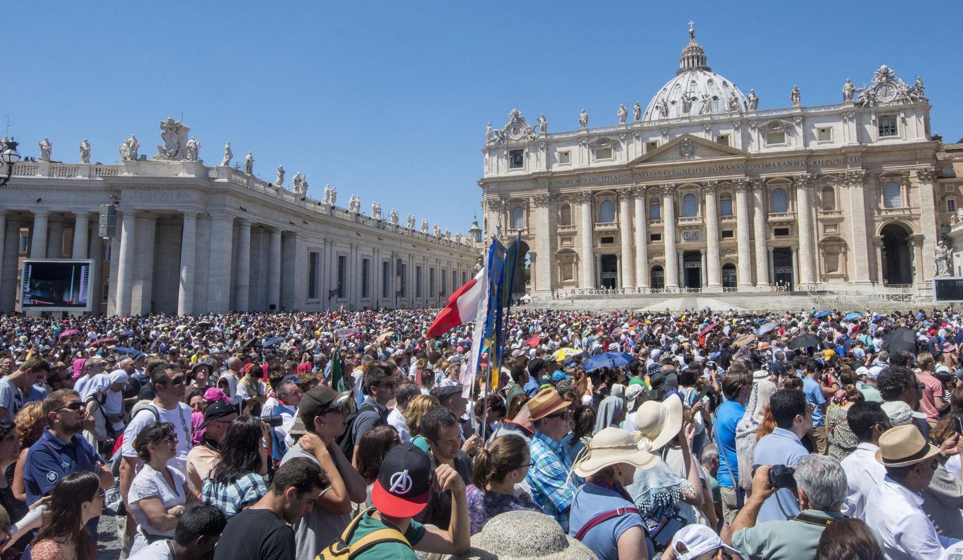 JEDNA OD ZADAĆA VJERE: Papa poziva kršćane da spase onečišćeni planet