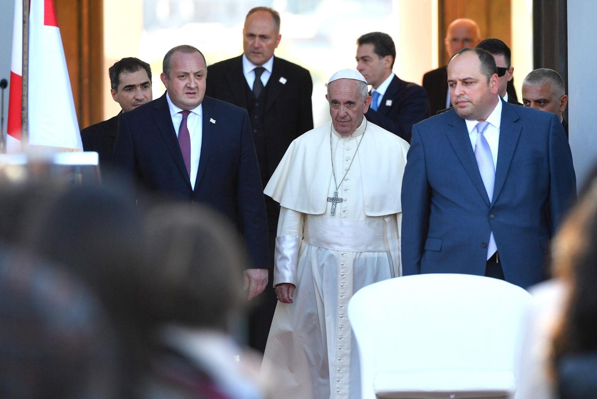 POVIJESNI POSJET: Papa pozvao na mir na Kavkazu i na molitvu za Siriju i Irak