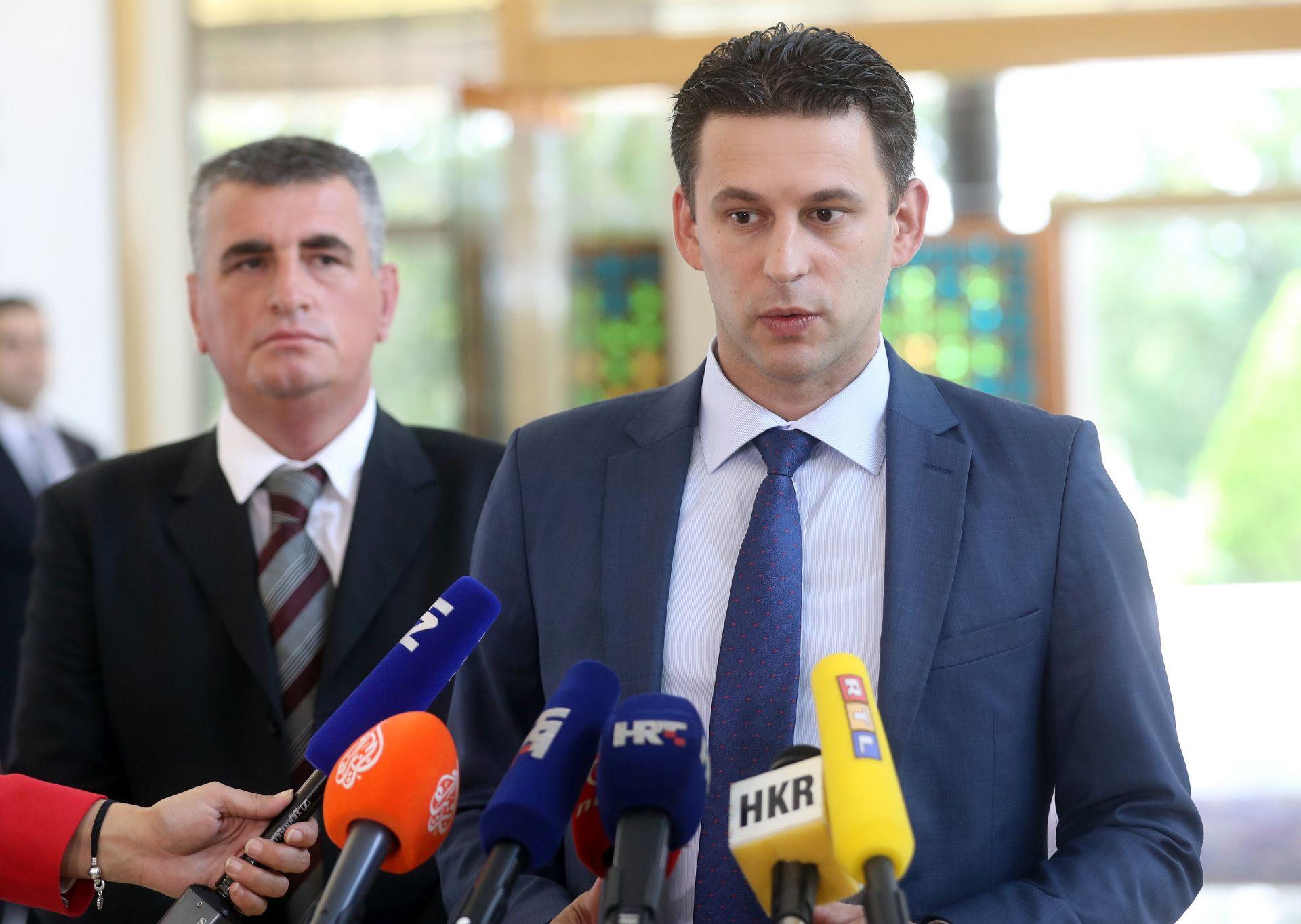 KONZULTACIJE NA PANTOVČAKU Petrov: Potpisi mandataru nakon dogovora o cjelokupnom 'paketu'