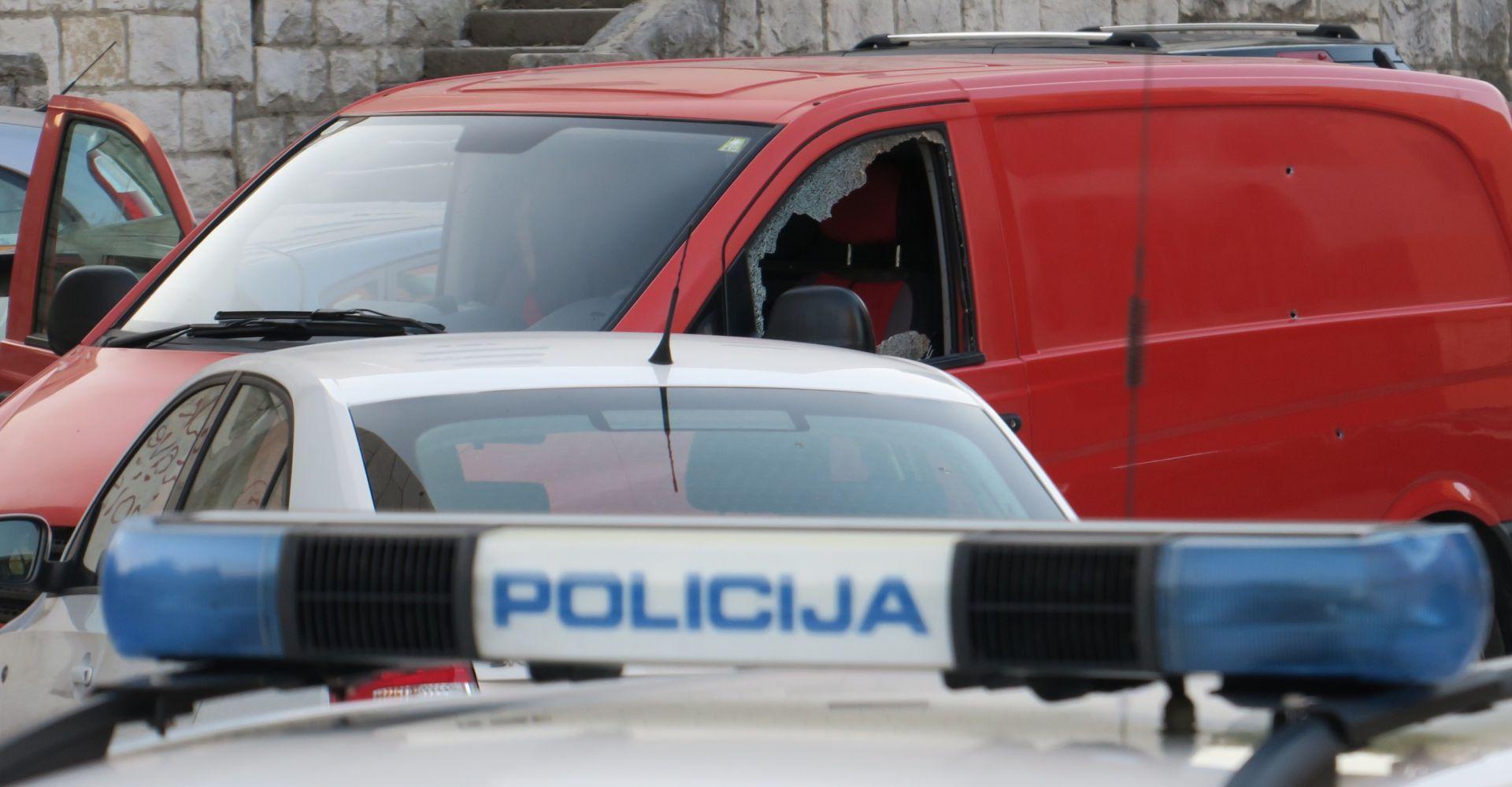 PUCNJAVA U SPLITU: Policija nakon dojave pronašla mrtvu ženu i ozlijeđenog muškarca