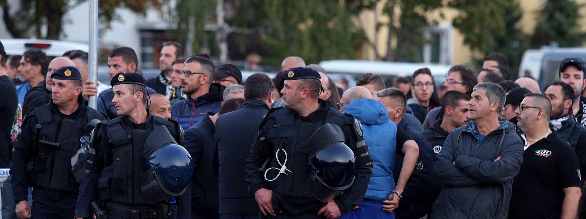 IZGRED UOČI UTAKMICE: Navijači se sukobili kod stadiona
