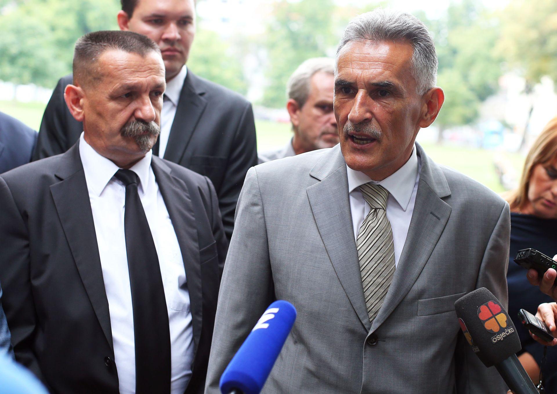 DOMOVINSKA KOALICIJA: Agromafija i uvoznički lobi uništili hrvatsku poljoprivredu