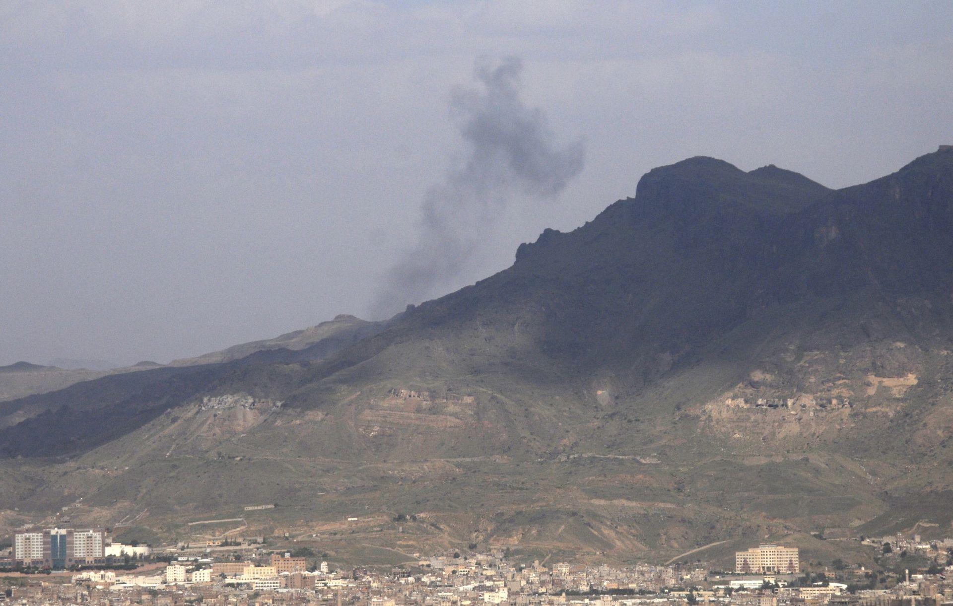 VELIKA OFENZIVA: U zračnim napadima na pobunjenike u Hami najmanje 25 ubijenih