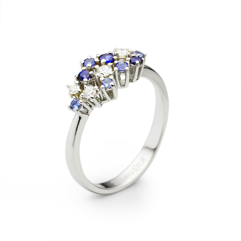 Prsten iz kolekcije Starry Sky (Zlatarne Celje)