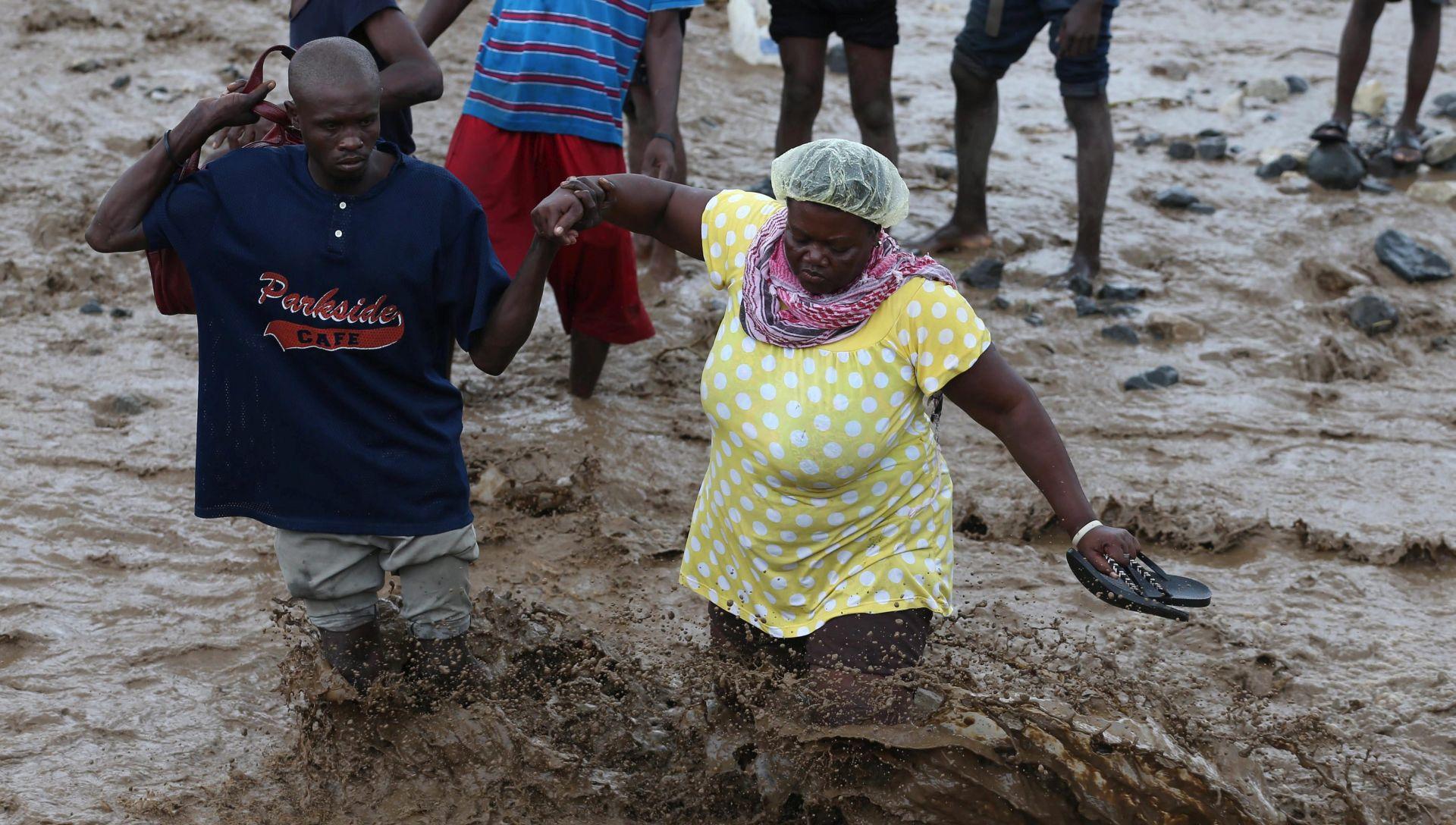 Na Haitiju nakon uragana povećan broj slučajeva kolere
