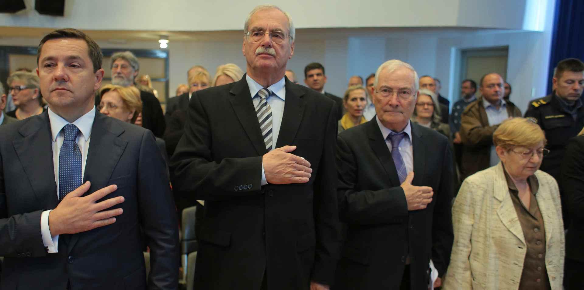 """A. Hebrangu nagrada za knjigu """"Hrvatski sanitet tijekom srpsko-crnogorske agresije"""""""
