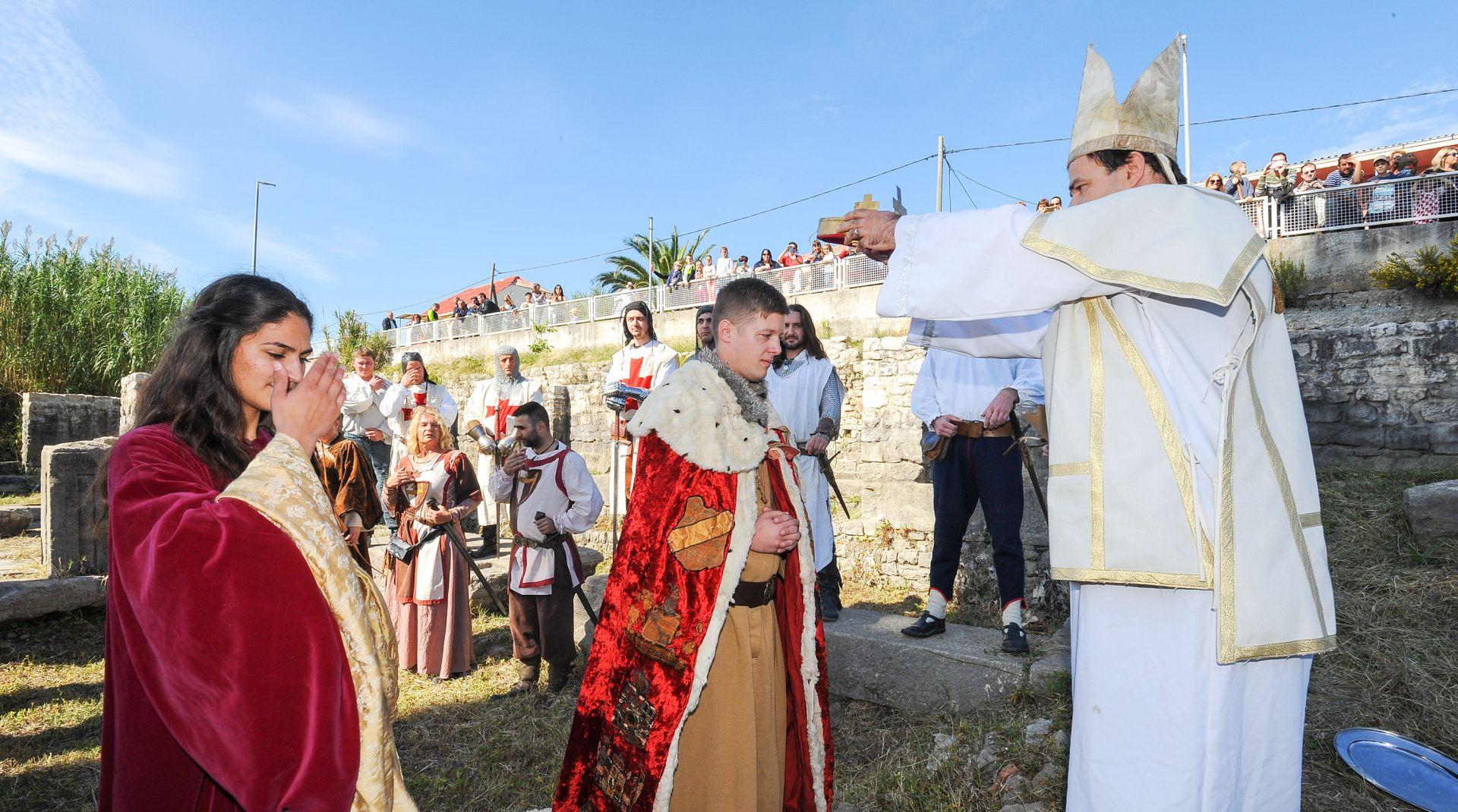 Solinjani u Krunidbenoj crkvi sv. Petra i Mojsija uprizorili krunidbu kralja Zvonimira