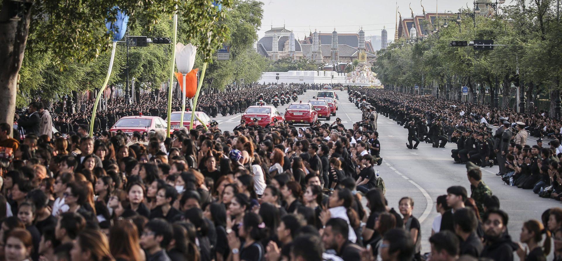 Tajland tuguje za preminulim kraljem, imenovan regent