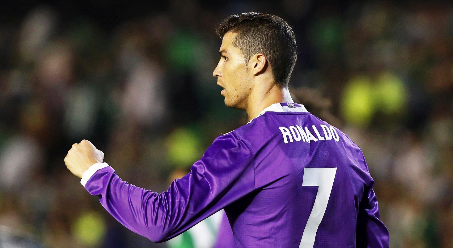 """ZIDANE """"Ronaldo zaslužuje Zlatnu loptu"""""""