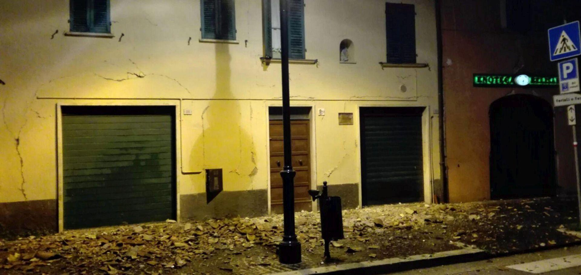 Dva potresa u središnjoj Italiji, velike materijalne štete, nekoliko teško ozlijeđenih osoba, oštećene povijesne zgrade