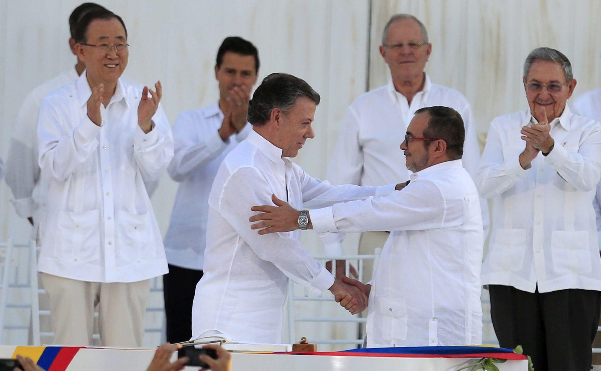 Kolumbijci glasuju o povijesnom sporazumu s FARC-om