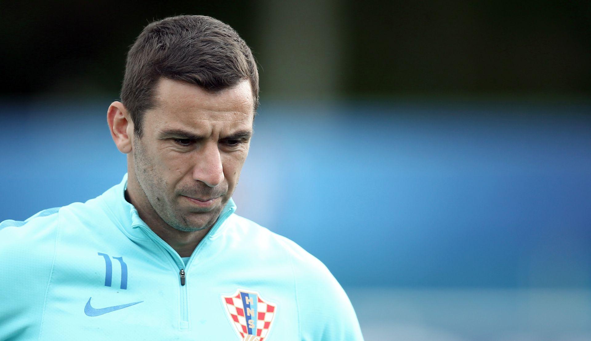 VIDAL JE PROŠLOST? Barcelona traži novog desnog braniča – na užem popisu i Darijo Srna