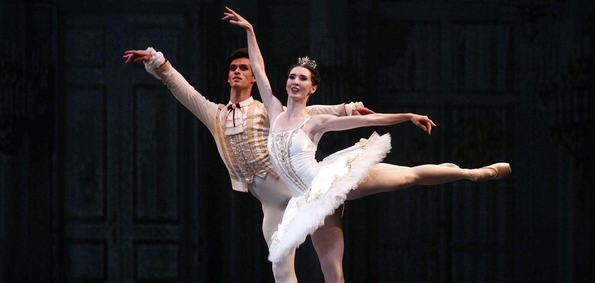 Baletni prvaci Sankt Peterburga oduševili HNK Zagreb
