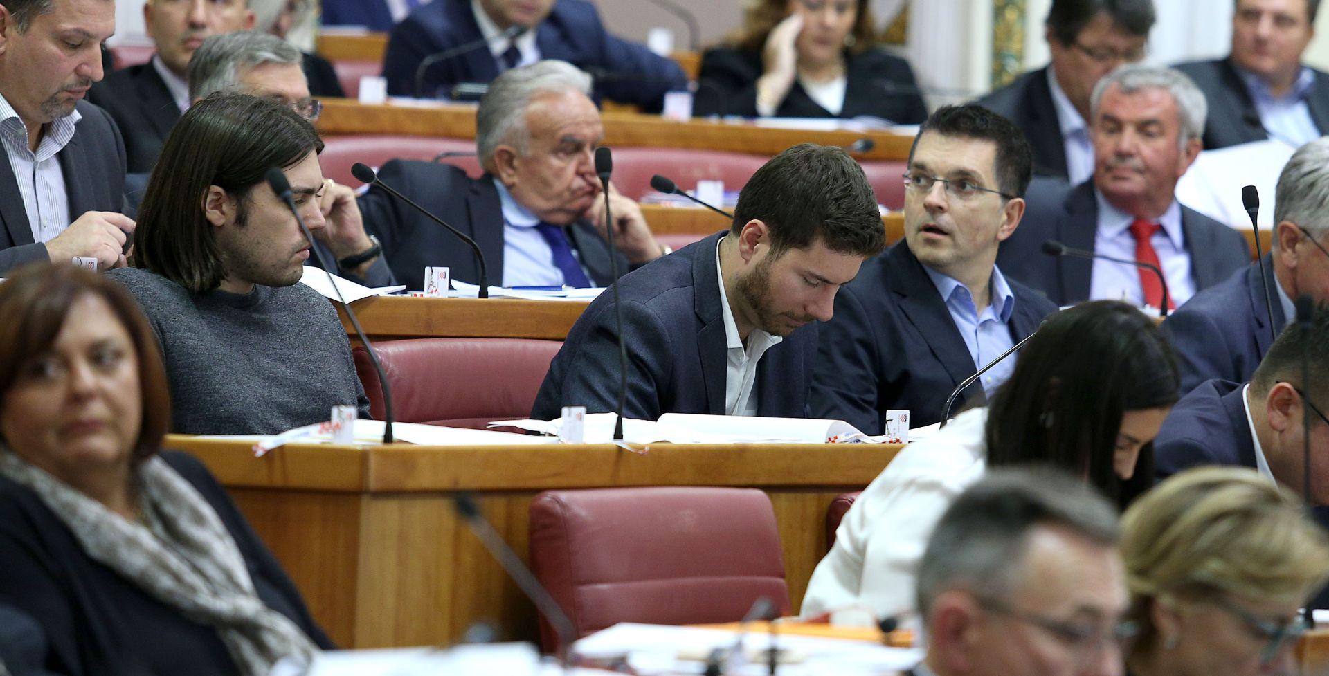 Mostov prijedlog o kažnjavanju zastupnika naišao na žestoku kritiku oporbe