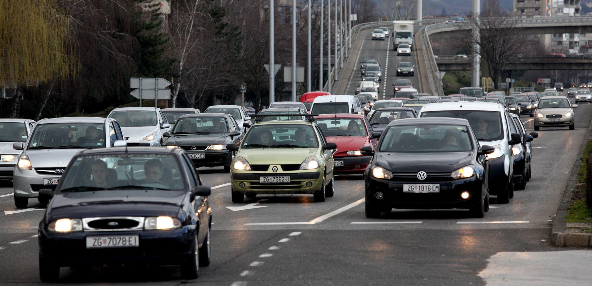 OPREZ Zimsko računanje vremena donosi i promjene u prometu i tarifama električne energije