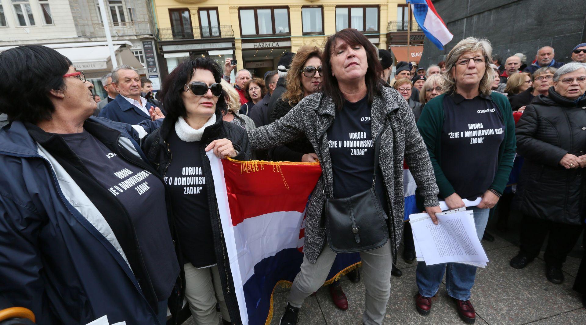 Skup potpore Udruge žene iz Domovinskog rata bivšem ministru Hasanbegoviću