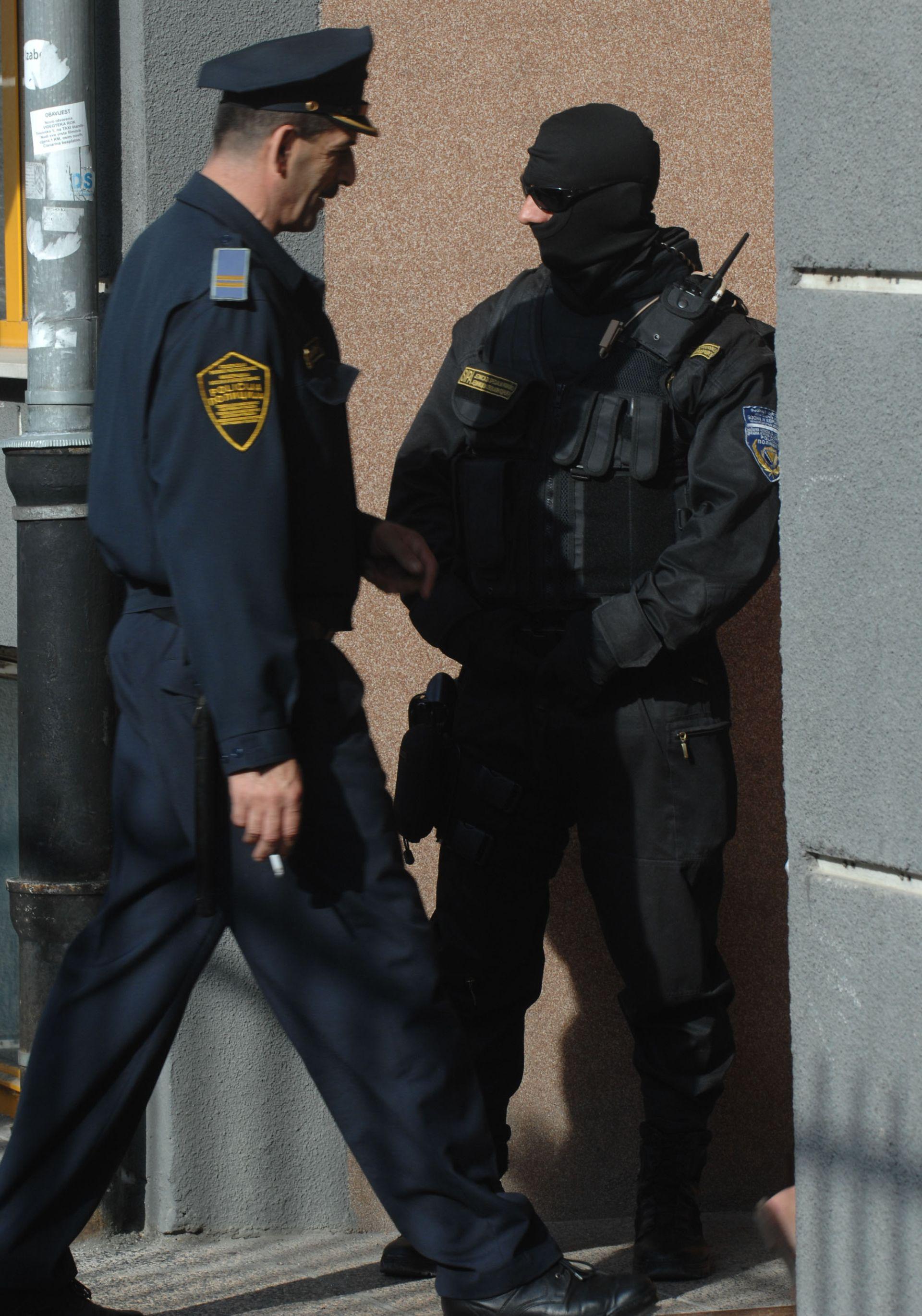BiH: Uhićenja zbog izrade lažnih dokumenata za kriminalce