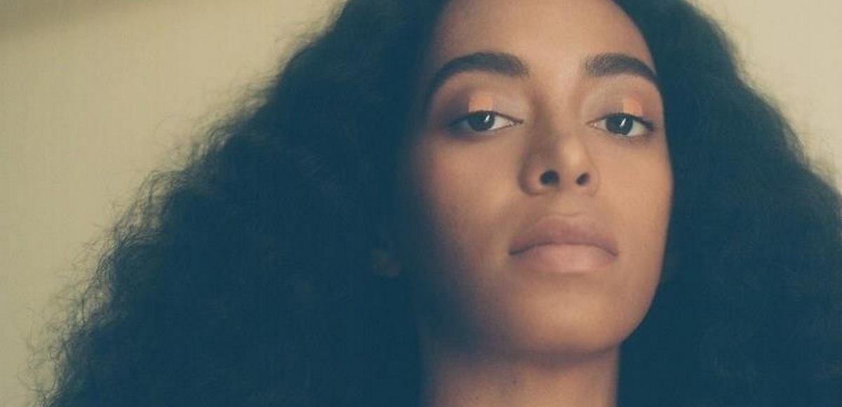 VIDEO: Solange Knowles uživo izvodi pjesme 'Rise' i 'Weary'